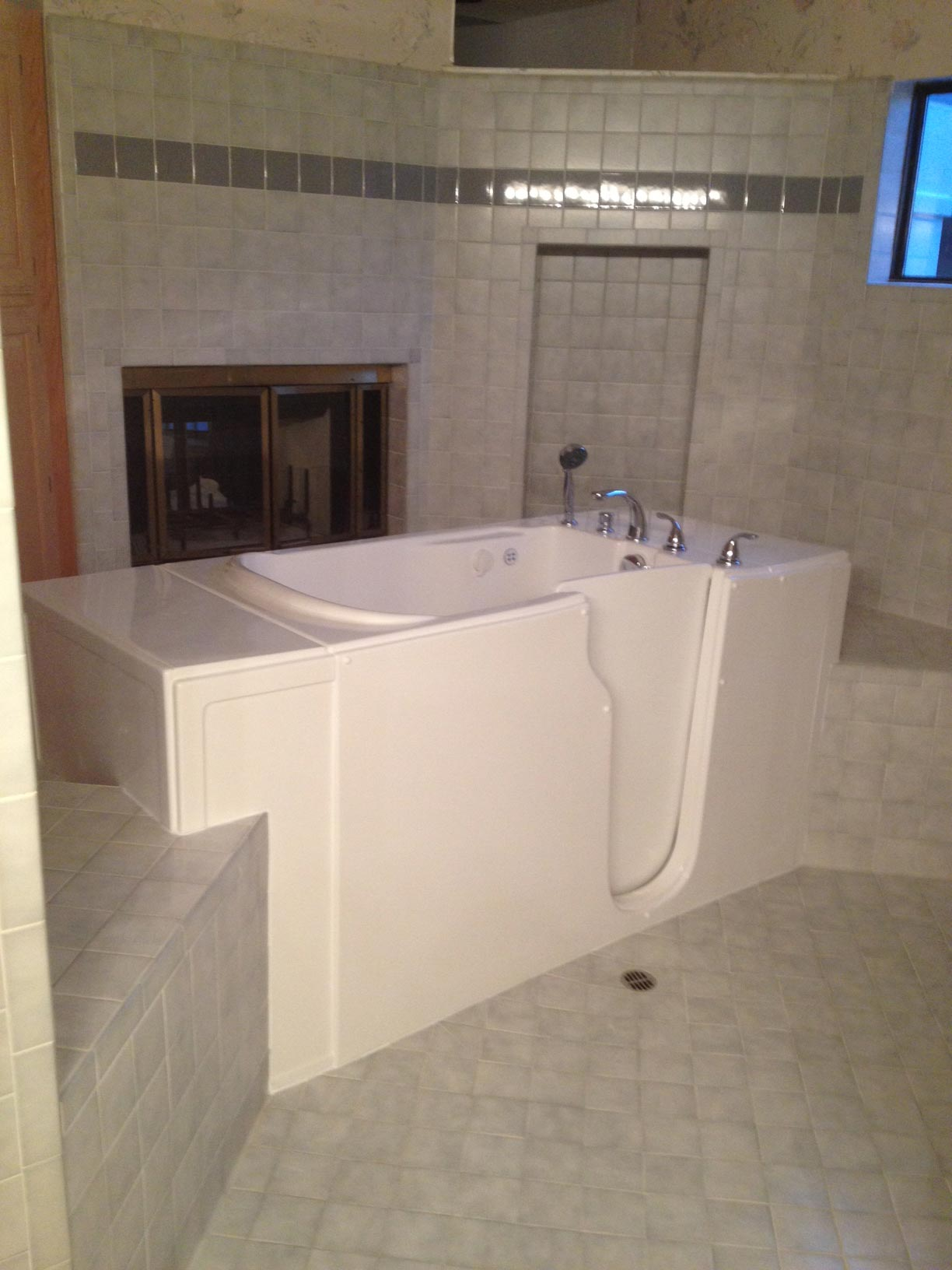 Made In The USA San Francisco TheraTub Walk-In Tubs-picture