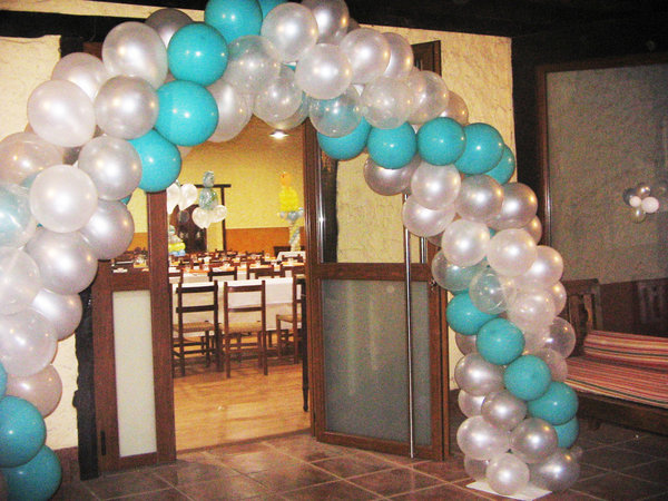 Decoracion con globos para baby shower wwwarregloboscom for Decoracion de globos para bautizo