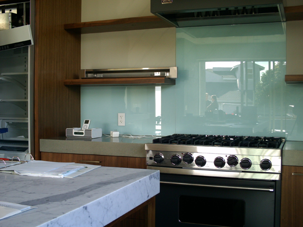 Here Is A Link That Might Be Useful Backpainted Glass Backsplash