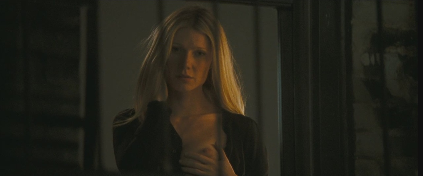 Gwyneth Paltrow topless